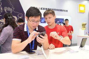 Xiaomi trình diễn điện thoại cao cấp Mi Mix 3 phiên bản 5G