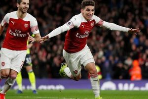 5 điểm nhấn Arsenal 1-0 Huddersfield: 'Của lạ' Torreira; Trọng tài mắc sai lầm ngớ ngẩn