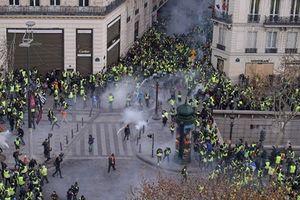 Thủ đô Paris, Pháp yên tĩnh trở lại sau nhiều tuần biểu tình bạo động