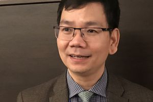 TS. Huỳnh Thế Du: Ủng hộ start-up nhưng không ủng hộ lao vào phong trào như con thiêu thân