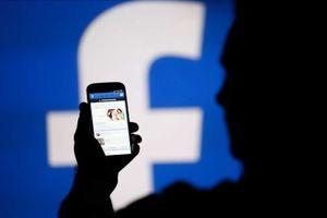 Úc kêu gọi quản chặt Google, Facebook