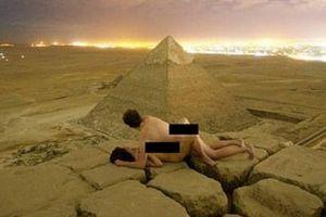 Cặp đôi gây phẫn nộ khi đăng ảnh làm 'chuyện ấy' trên đỉnh kim tự tháp