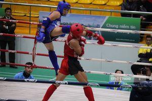 Em ruột Nguyễn Trần Duy Nhất rực sáng vô địch muay