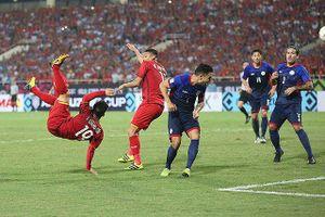Lối đá của tuyển Việt Nam giống Hàn Quốc tại World Cup 2002