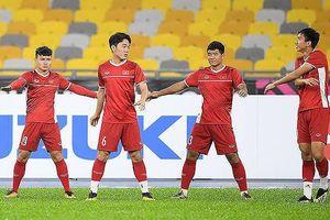 AFF Cup 2018: Tuyển Việt Nam đội mưa tập luyện, sẵn sàng đấu Malaysia