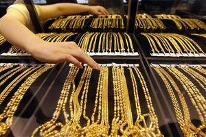 Vàng trong nước tăng giá theo đà thế giới