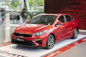 Khám phá Kia Cerato 2019 tại đại lý: Cắt trang bị, tăng giá 40 triệu đồng liệu có đáng mua?