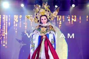 Châu Ngọc Bích thắng giải trang phục dân tộc đẹp nhất