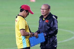 'Việt Nam cố gắng cầm hòa Malaysia'
