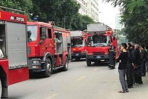 Cháy tầng 31 tòa HH3B chung cư Linh Đàm, người dân tá hỏa tháo chạy