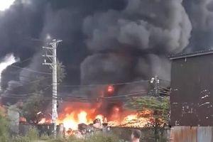 TP.HCM: Điều tra nguyên nhân cháy 3 nhà xưởng