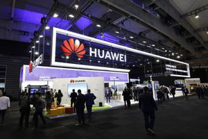 'Cái sảy nảy cái ung', làn sóng tẩy chay Huawei lan rộng khắp thế giới