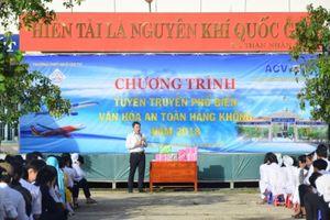 An toàn hàng không hấp dẫn 1.600 học sinh tại Cam Ranh