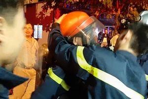 Rò rỉ khí gas cơ sở nước đá, người dân kịp thời thoát nạn