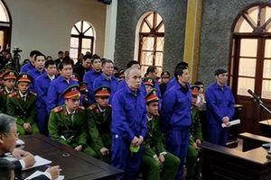 Phiên xử nhiều cựu lãnh đạo Sở vi phạm về đất đai hoãn do bị cáo 'trốn'