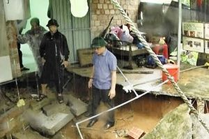 Tích cực giúp dân khắc phục hậu quả mưa lũ