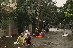 Mưa lũ làm 6 người chết, hàng ngàn ngôi nhà bị chìm