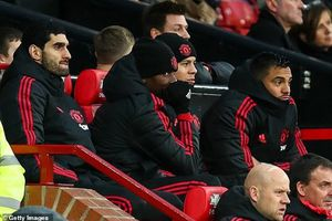 Man United không định bán 'cái gai' trong mắt Mourinho