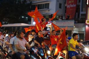 TPHCM cấm xe tải nặng vào trung tâm, phục vụ người hâm mộ xem bóng đá