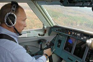 Tổng thống Putin lái thử thủy phi cơ Be-200