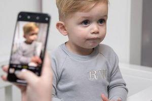 Đây là cách cậu bé 1 tuổi giúp bố mẹ kiếm được rất nhiều tiền