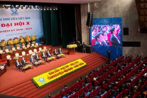 Chính phủ đối thoại với đại biểu sinh viên Việt Nam