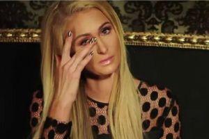 Paris Hilton rơi nước mắt kể về scandal lộ băng sex 15 năm trước