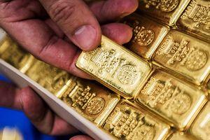 Đồng USD tăng mạnh đẩy giá vàng giảm