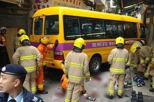 Hong Kong: Xe trôi tự do đâm vào khu chợ, 15 người thương vong
