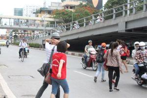 Tản mạn về 'văn hóa giao thông': Chuyện sang đường (Bài 4)