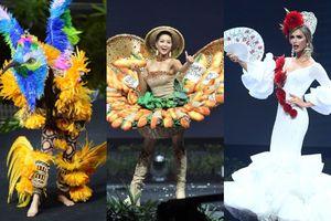 Tin vui cho fan Việt, Bánh Mì lọt Top 15 tranh giải Best National Costume