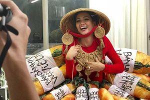 Chiếc bánh mỳ gây sốt của H'Hen Niê trên sân khấu Miss Universe và phát minh thú vị liên quan bánh mì của sinh viên