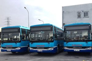 Thêm 4 tuyến buýt của Hà Nội được thay 'áo mới'
