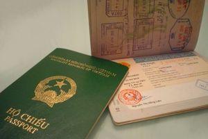Bộ Công an đề xuất gắn chíp điện tử vào hộ chiếu để lưu trữ thông tin