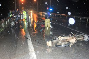 Truy tìm ô tô gây tai nạn trong đêm khiến 3 người nhập viện