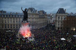 Bạo động ở Pháp: Chuyên gia Việt chỉ ra điều khủng khiếp đón đợi châu Âu