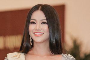 Hoa hậu Trái đất 2018 Phương Khánh bật khóc, phủ nhận tin đồn mua giải, vô ơn