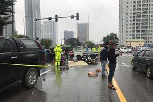 Hà Nội: Ngã xuống đường, tài xế Grab bị xe bán tải cán tử vong