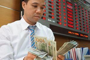 Giá USD tự do liên tục giảm