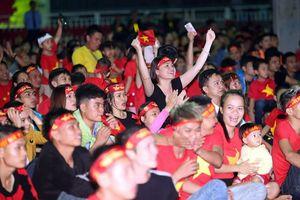 Người Đà Nẵng làm ấm thành phố trong trận hòa đáng tiếc của tuyển Việt Nam