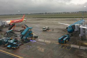 Tỷ lệ bay đúng giờ của hàng không Việt tăng nhẹ