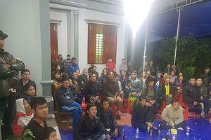 Đến nhà Công Phượng, Quang Hải, Văn Đức xem bóng đá
