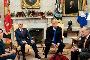 Tổng thống Mỹ nổi thịnh nộ, dọa đóng cửa chính phủ