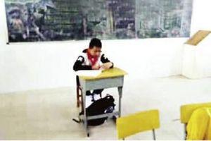 Giáo viên tiểu học ép học sinh bị ung thư ngồi riêng một góc