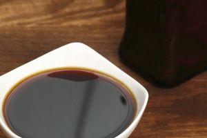 Uống xì dầu để thanh lọc cơ thể, một phụ nữ bị tổn thương não nghiêm trọng