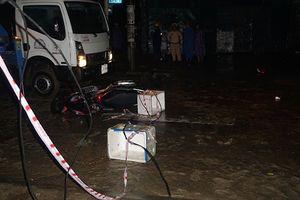 Điện giật chết người khi mưa lũ, ai chịu trách nhiệm?