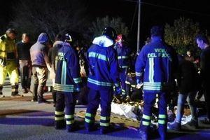 Giẫm đạp ở câu lạc bộ đêm Ý và cướp ngân hàng ở Brazil, 18 người thiệt mạng