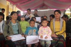 Nhập Quốc tịch Việt Nam cho 119 người Lào di cư