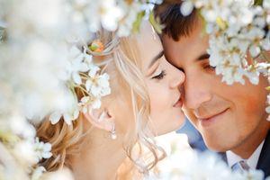 Nữ tuổi Dậu hợp với nam tuổi nào trong tình yêu hôn nhân?