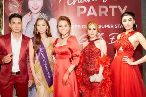 Ca sĩ Việt Quang, học trò Kỳ Duyên mừng Stella Đào đăng quang Hoa hậu